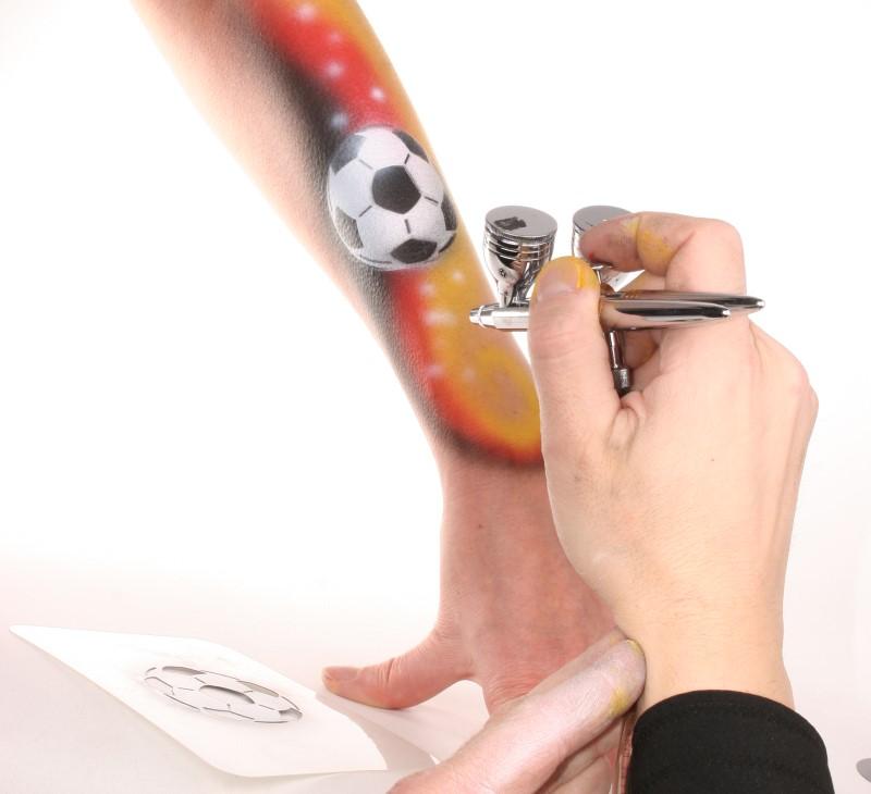 Airbrush Schablone mit Fussball Motiv